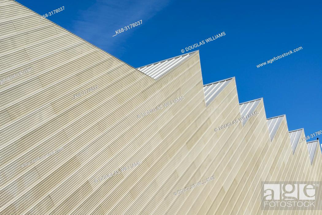 Imagen: The Polygon Gallery in West Vancouver, BC, Canada, largest photography gallery in western Canada.