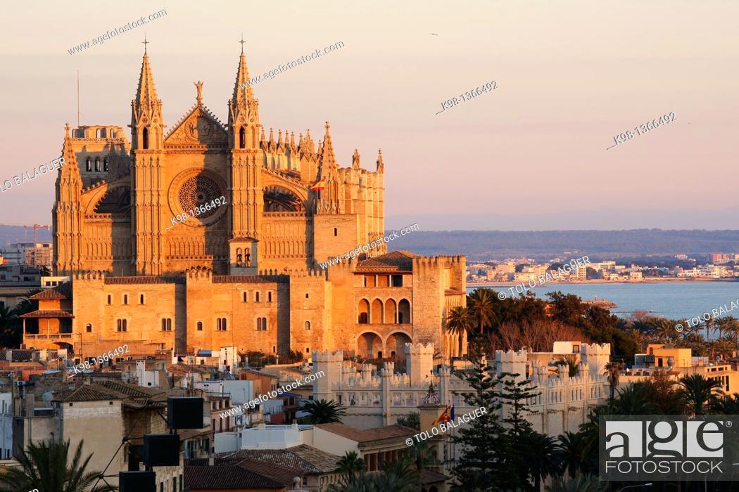 Stock Photo: Cathedral of Santa Maria of Palma, Palma, Majorca,  Balearic Islands, Spain.