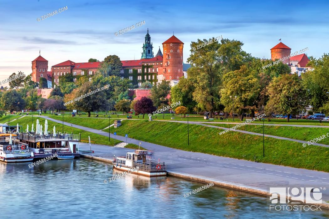 Stock Photo: View of Wawel castle from Vistula river in Krakow, Poland.