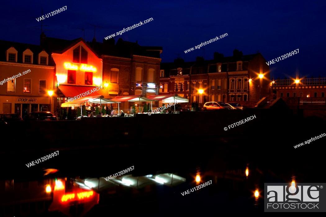 Stock Photo: dark, gloom, light, lit, city, town.