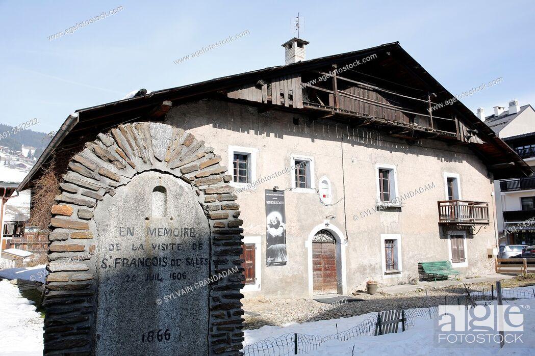 Stock Photo: France, Haute-Savoie, Megeve in winter, .