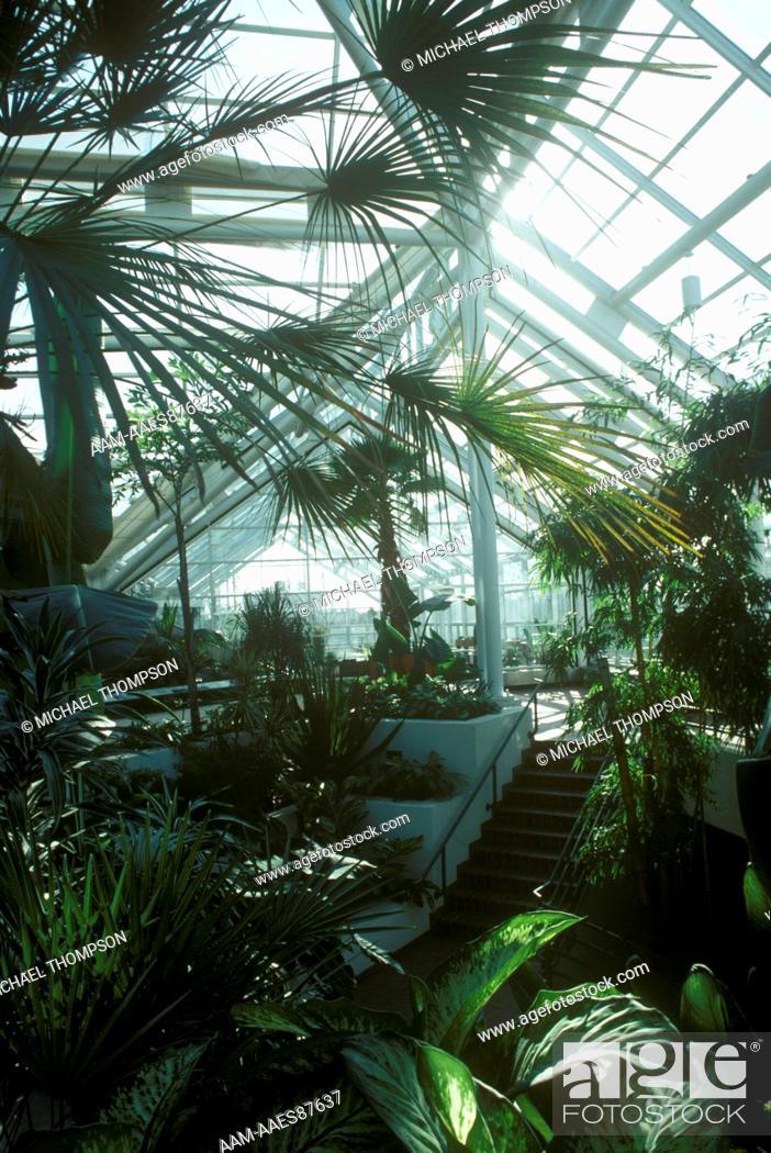 Brooklyn Botanical Garden Steinhardt Conservatory Entrance Court