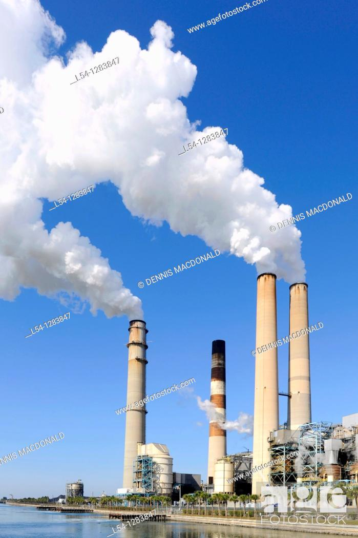 Stock Photo: Tampa Electric Company coal fired electrical power plant, Florida.