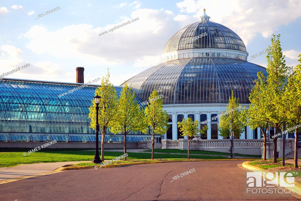 Stock Photo: Como Park Conservatory, St Paul, Minnesota.