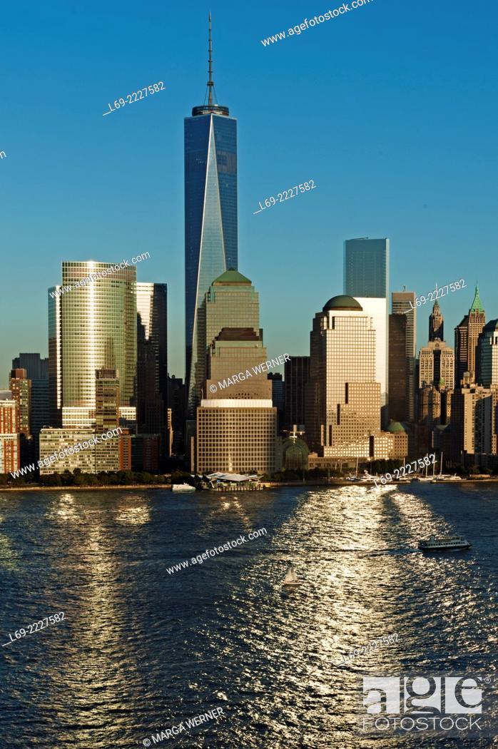 Stock Photo: Manhattan skyline at Hudson River with World Trade Center and World Financial Center, Lower Manhattan, New York, USA.