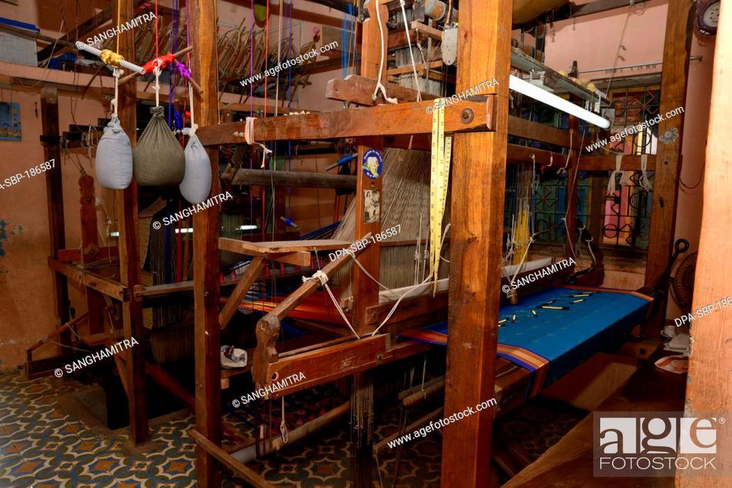 Handloom Silk Saree Weaving machine in Yeola Village at