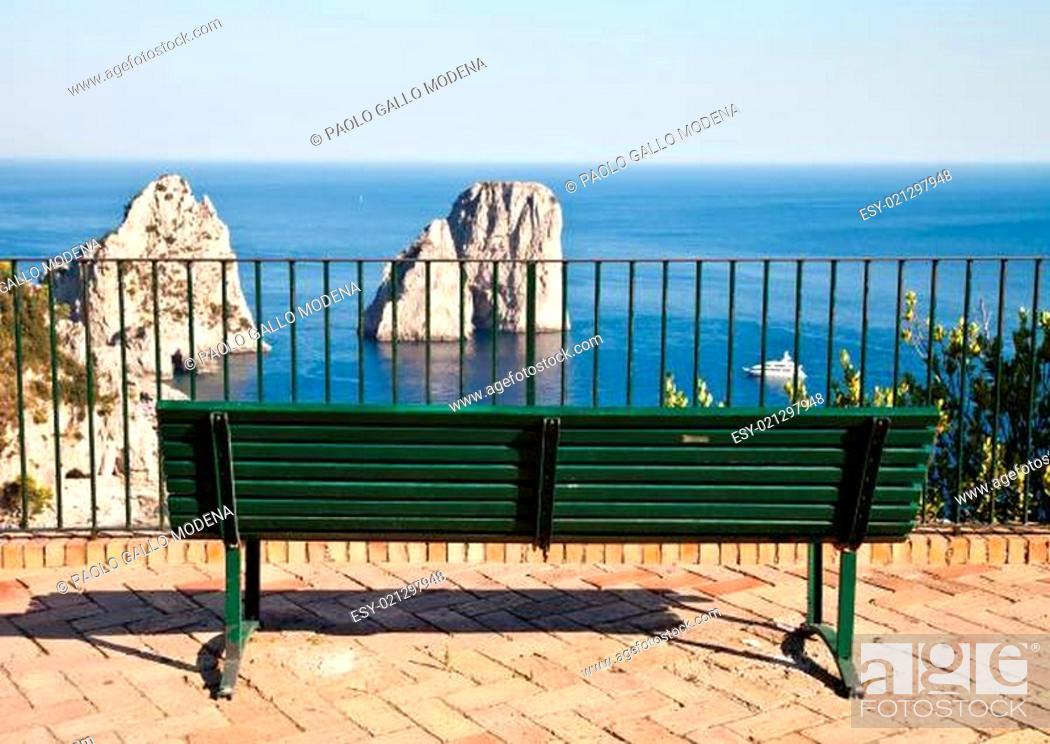Stock Photo: Faraglioni di Capri.