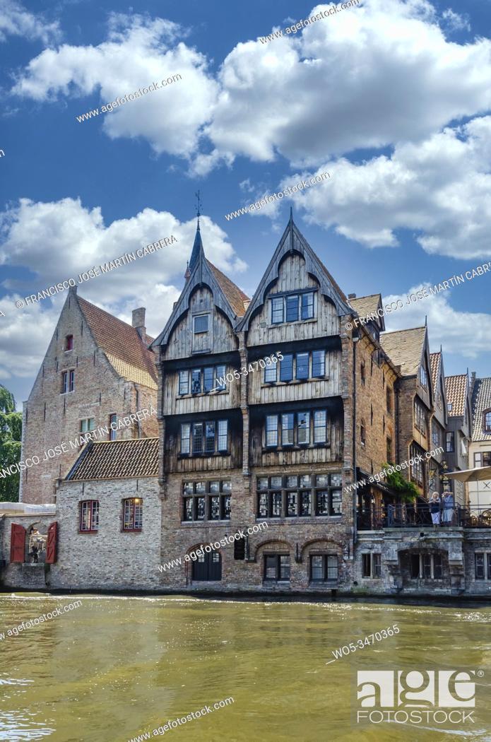 Imagen: Dijver Street, surely one of the most beautiful views of Bruges in Belgium.