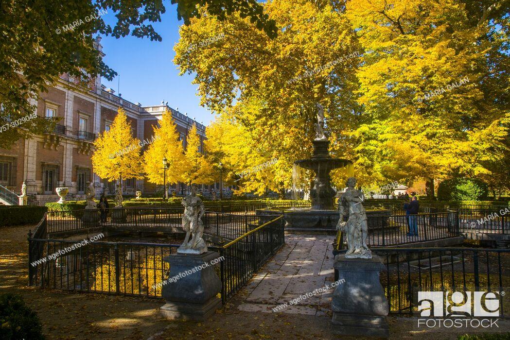 Imagen: La Isla Garden in Autumn. Aranjuez, Madrid province, Spain.