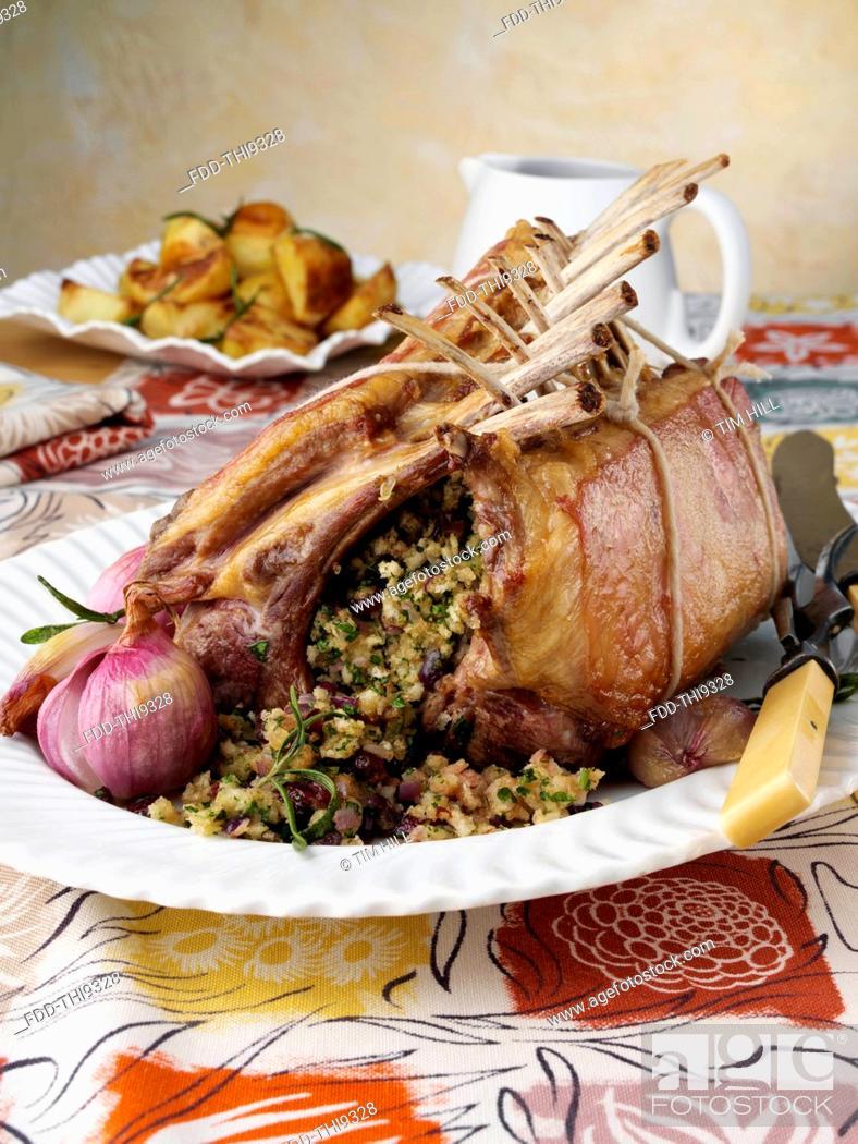 Imagen: Roast rack of lamb.