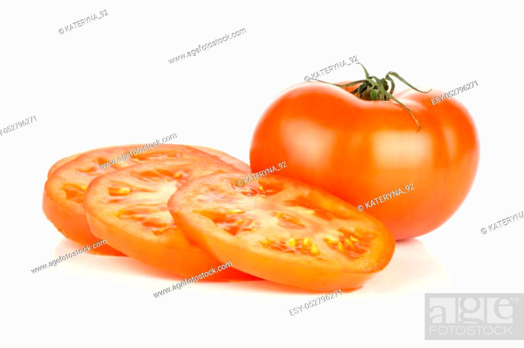 Photo de stock: Sliced red tomato isolated on white background one whole and three circle slices.