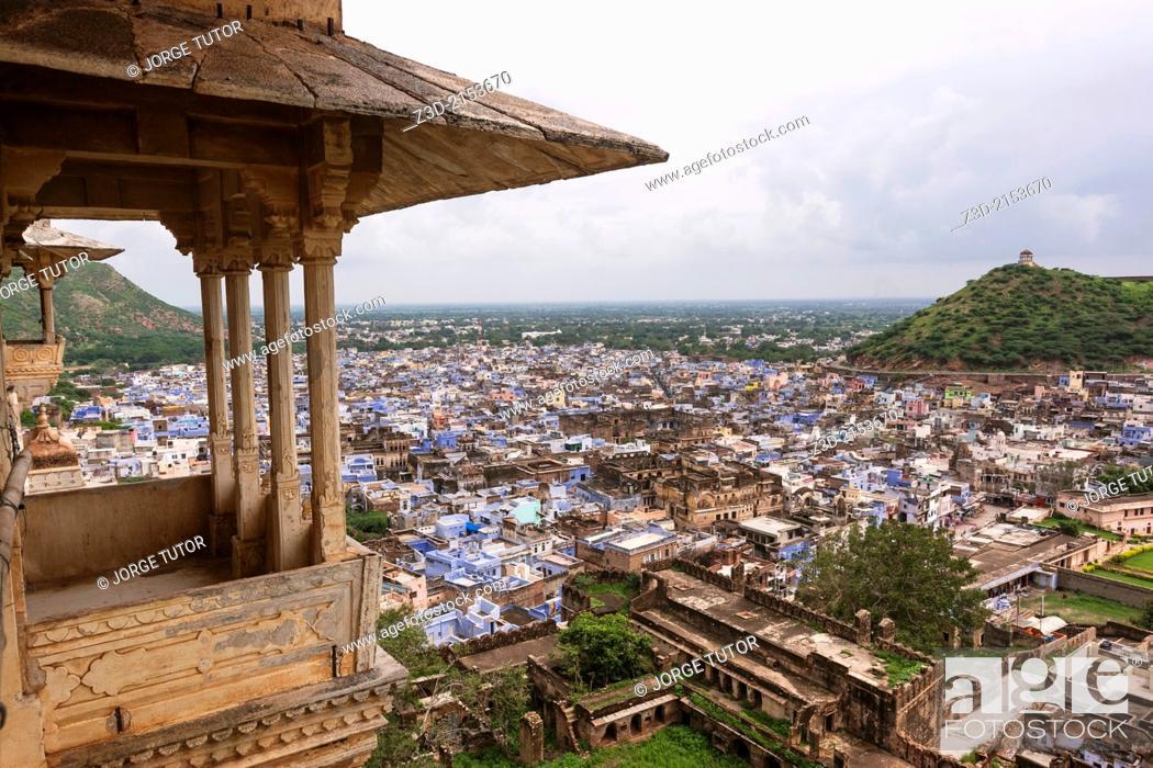 Imagen: City of Bundi from the palace, Rajasthan, India.