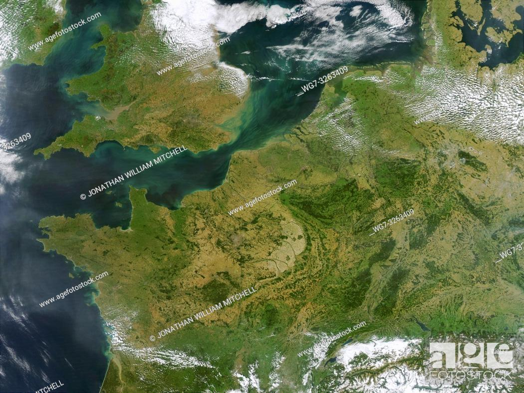 Stock Photo: EARTH Western Europe -- 13 Sep 2002 -- This true-color MODIS image showcases Northern Europe. Shown are the United Kingdom, the Republic of Ireland.