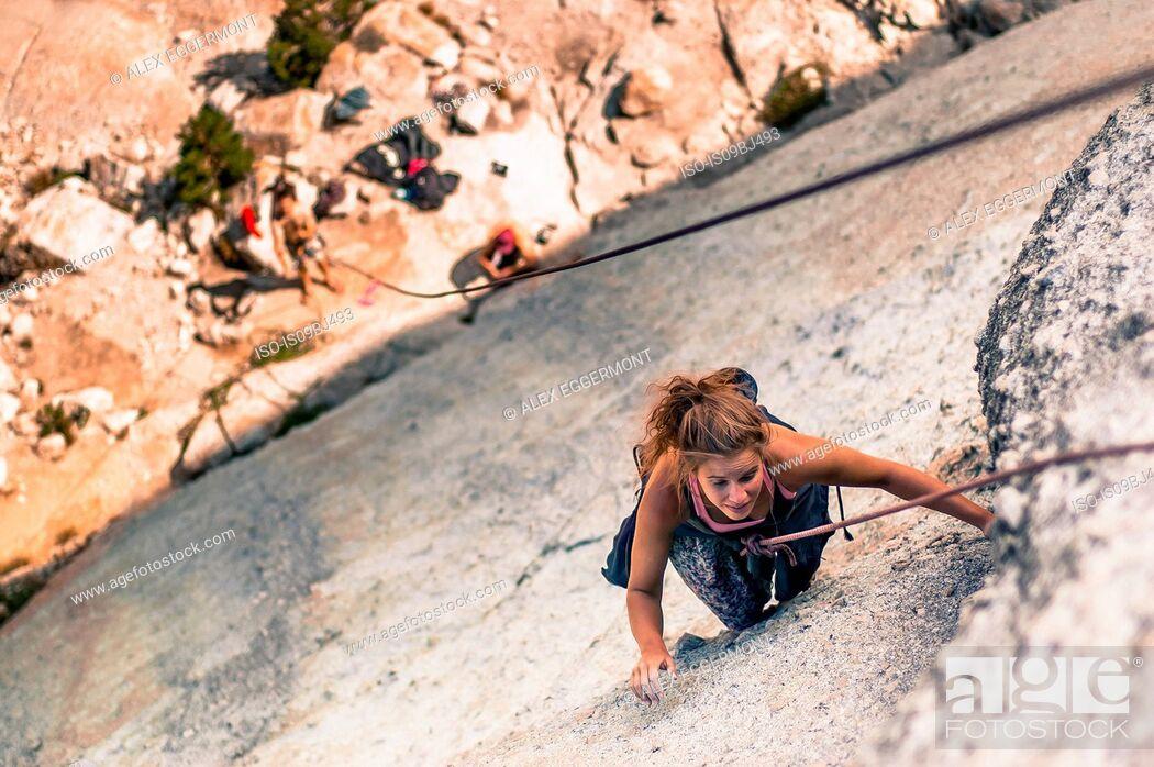 Imagen: Rock climber rock climbing, Yosemite National Park, United States.