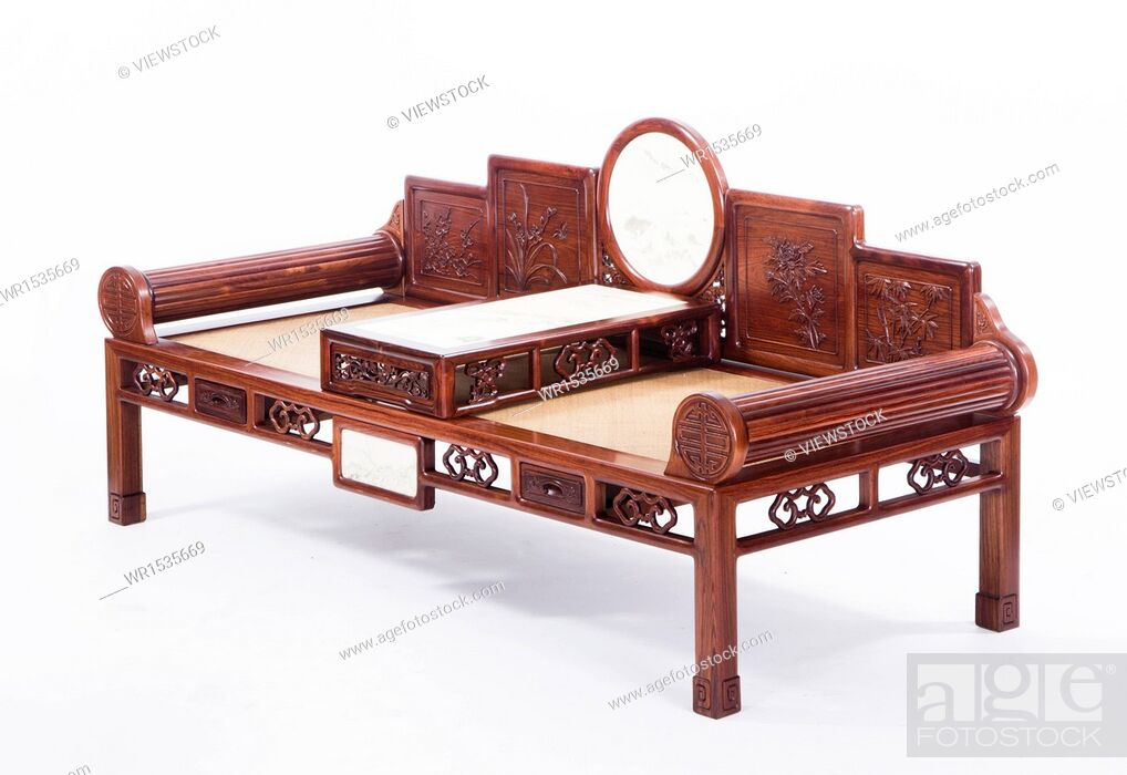 Imagen: Antique Chinese couch.