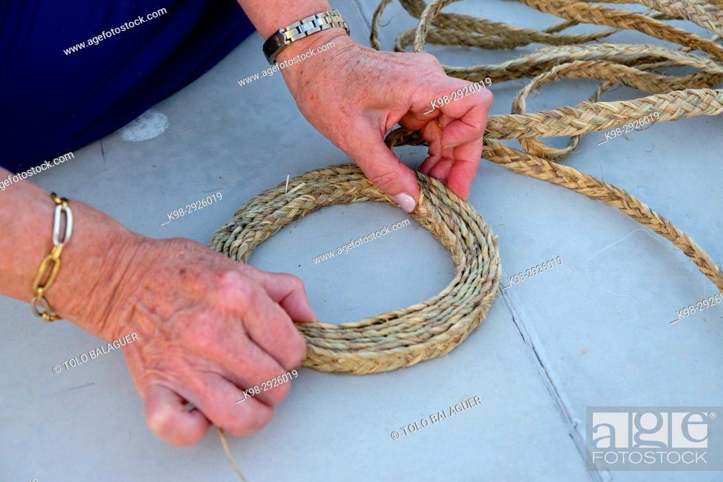 mejor selección 93966 109f3 Traditional manufacturing of de espardenyes ibicencas ...
