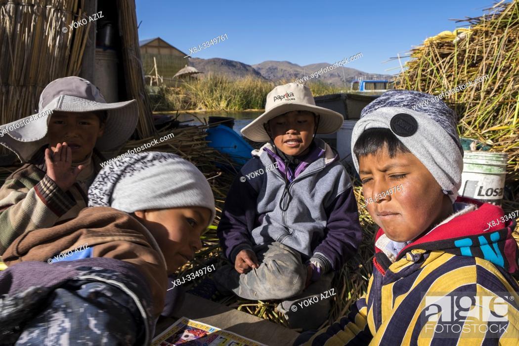 Imagen: Peru, Titicaca lake, Uros islands.