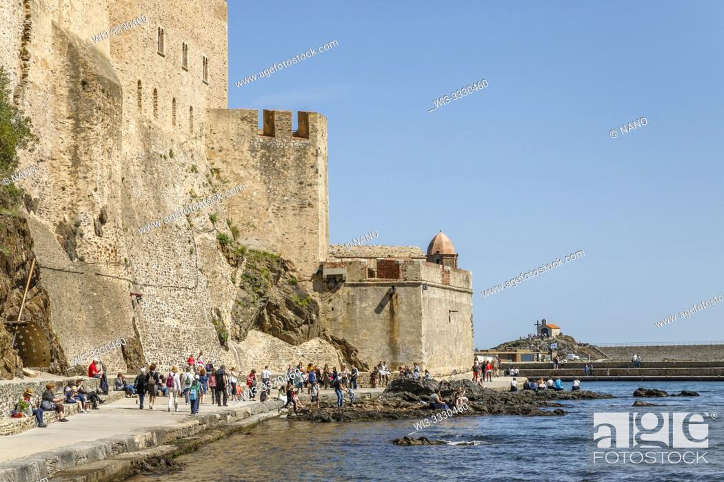 Stock Photo: France, Pyrenees Orientales, Cote Vermeille, Collioure, defensive wall of the Royal Castle.