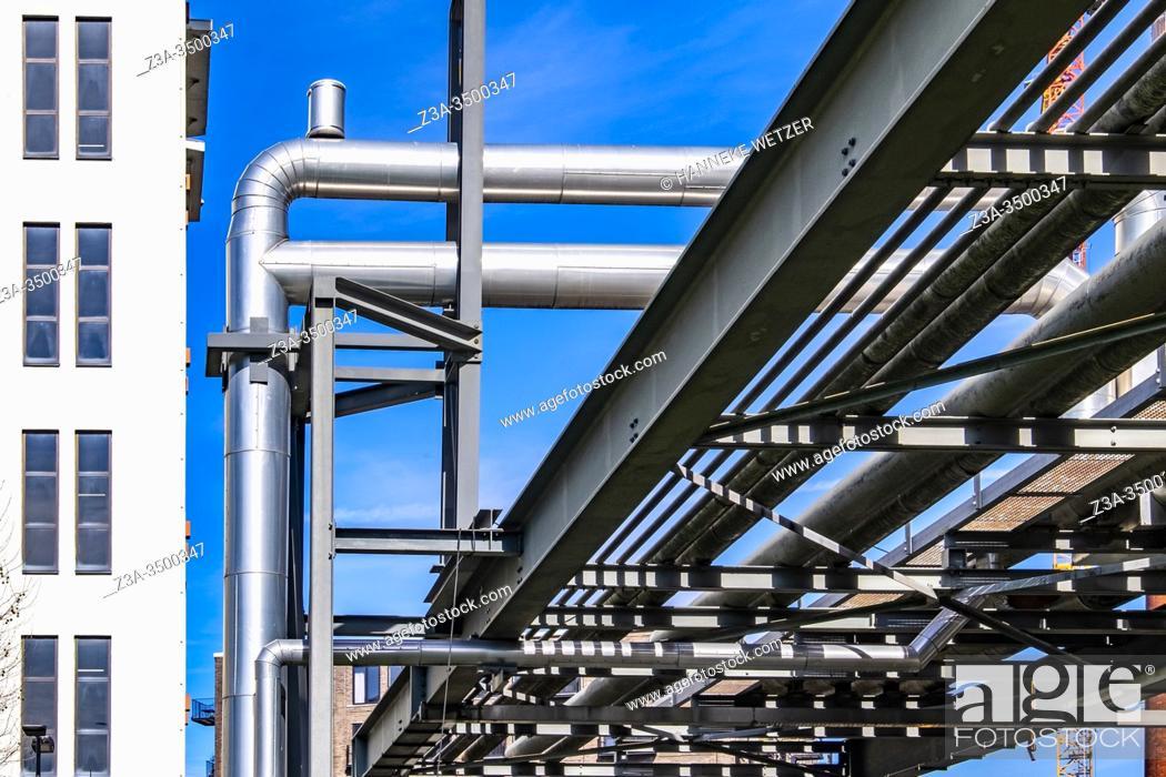 Imagen: Steel construction at Strijp-S, Eindhoven, The Netherlands, Europe.