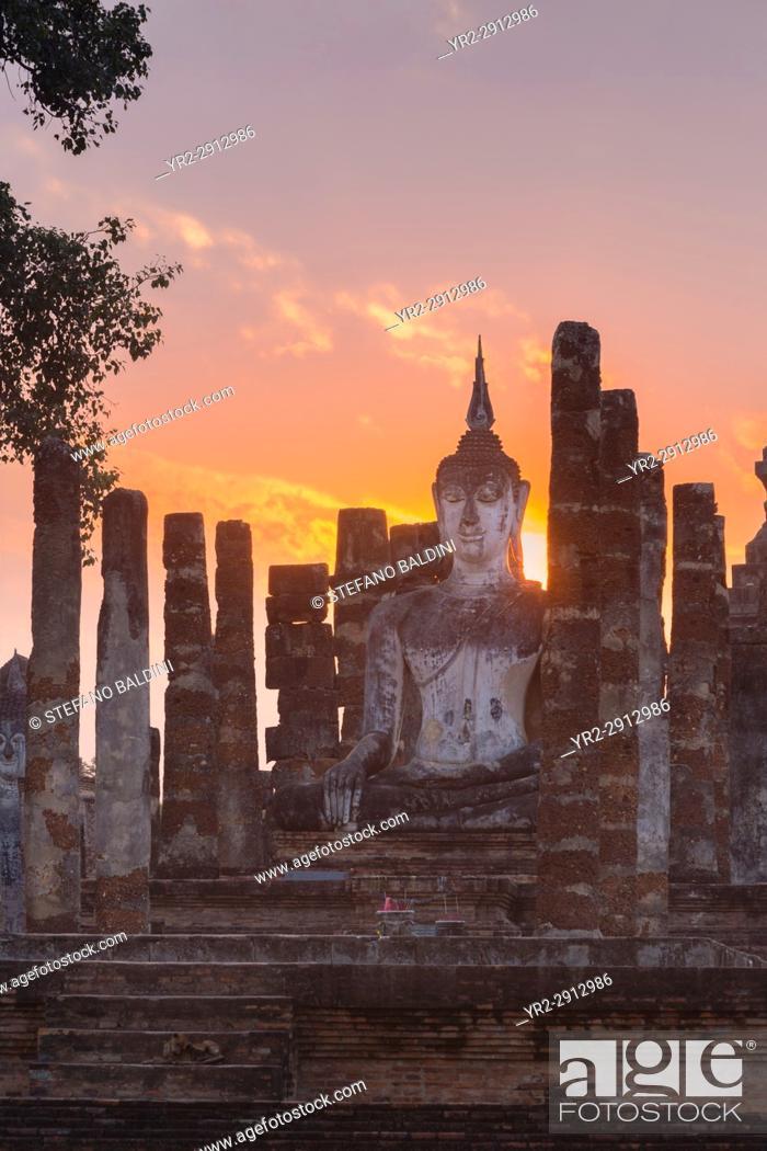 Imagen: Wat Mahatat, Sukhothai historical park, Sukhothai, Thailand.