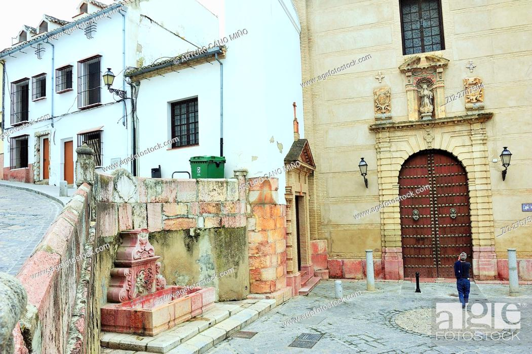 Imagen: Fountain and church in the Historical Downtown. Antequera, Málaga province, Spain.