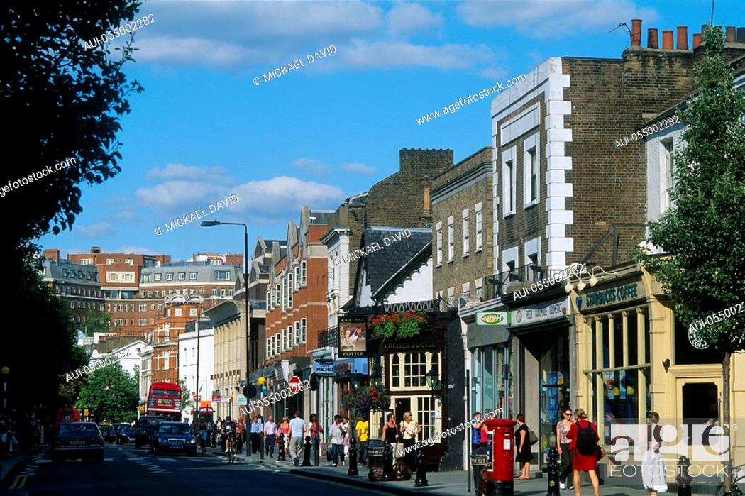 Stock Photo: England - London - district of Chelsea - King's Road.