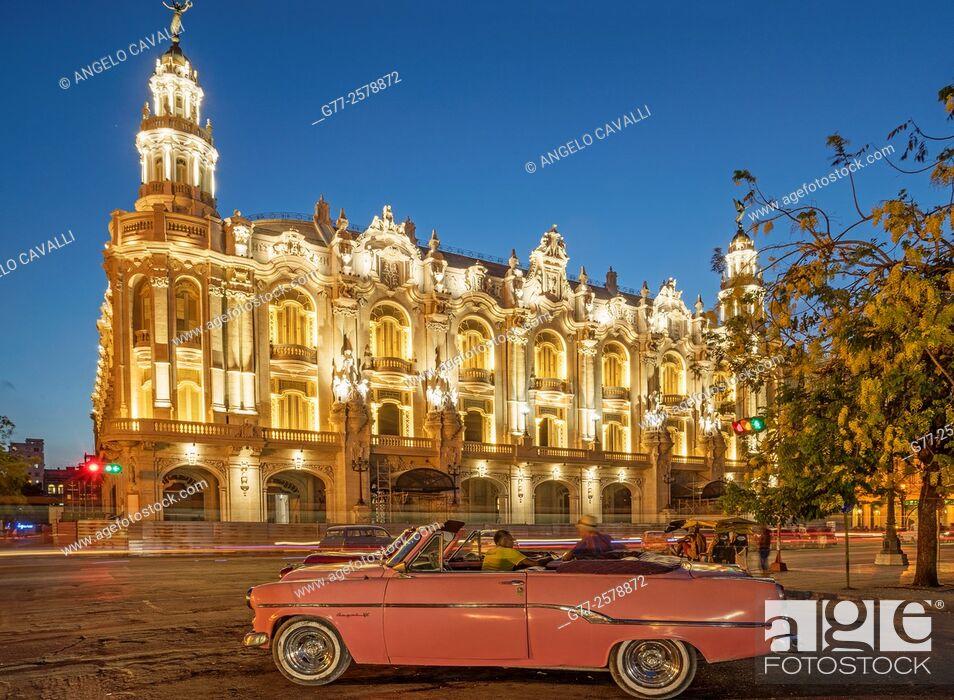 Stock Photo: Great Theatre of Havana, Paseo del Prado, Havana, Cuba.