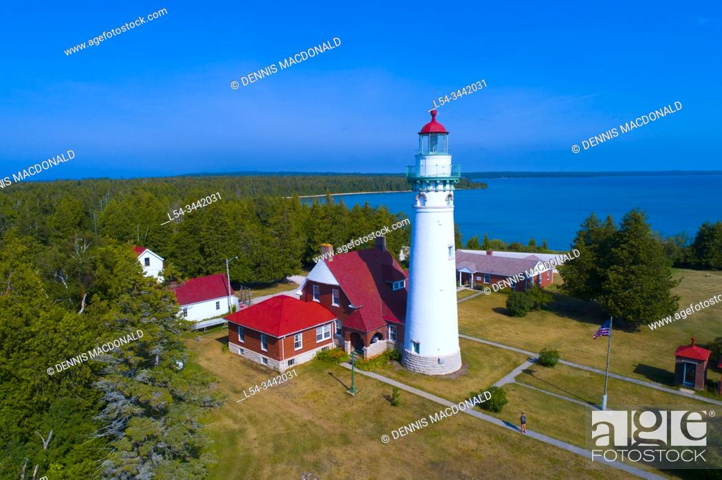 Stock Photo: Seul Choix lighthouse Gulliver Michigan only choice lighthouse on lake michigan in upper peninsula.