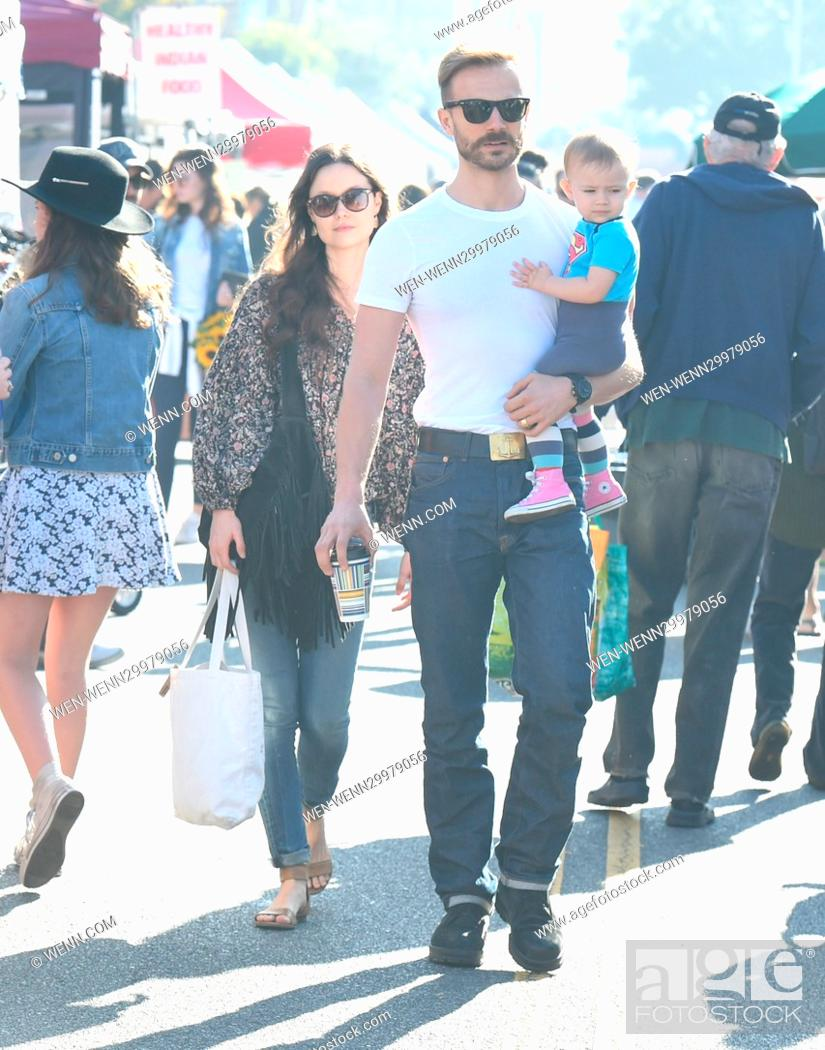Summer Glau And Her Husband Val Morrison And Their Daughter Milena Visiting A Farmers Market In Los Stock Photo Picture And Rights Managed Image Pic Wen Wenn29979056 Agefotostock This site is a tribute to val, who was born in hammersmith on february 16, 1961. https www agefotostock com age en stock images rights managed wen wenn29979056