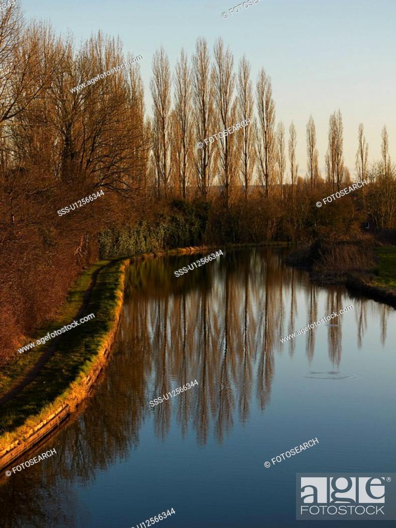 Stock Photo: Grand Union Canal, Milton Keynes, Midland, UK.