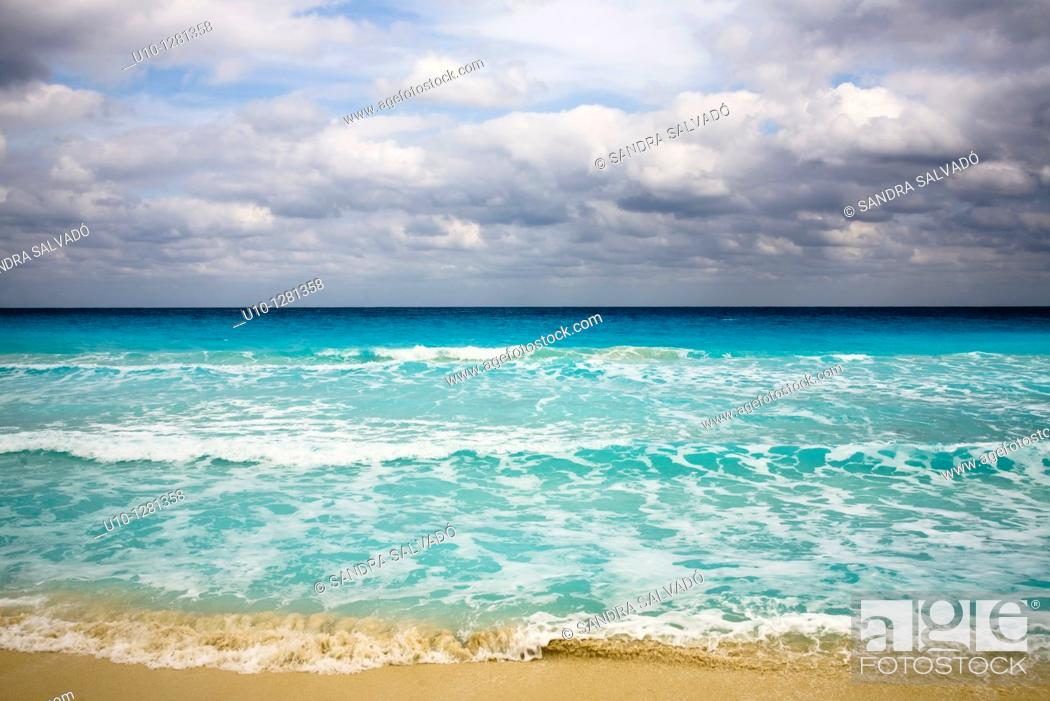 Stock Photo: Cancun beach, Hotel Zone, Caribbean, Yucatan Peninsula, Mexico.