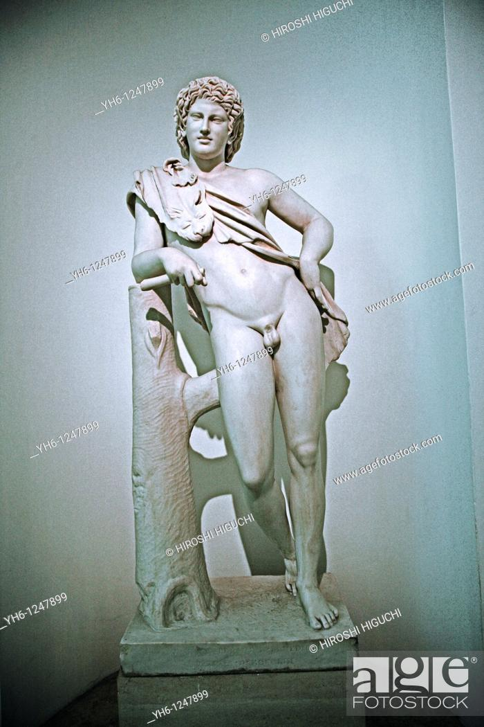 Stock Photo: Italy, Rome, boy statue at Capitoline Museums.