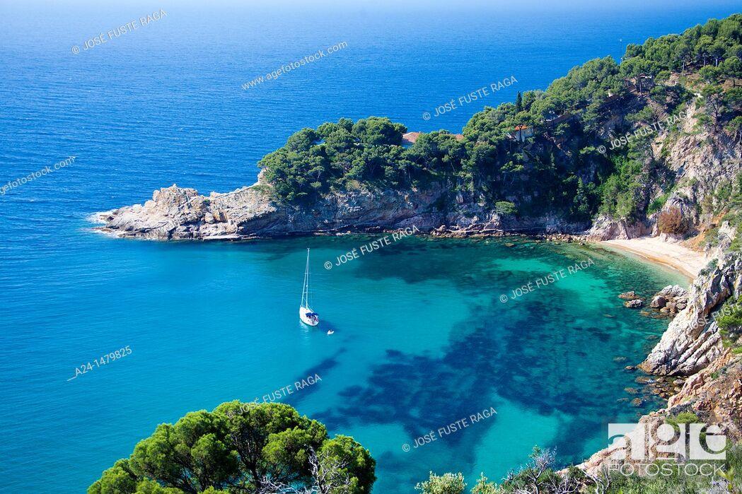 Imagen: Spain, spring 2011, Girona Province, Costa Brava Coast, Tossa de Mar City, Cala Futadera Beach.