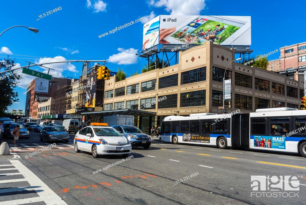 Imagen: New York City, USA, Street Scenes in Manhattan, Apple Store Building, Meat packing District, 14th st.