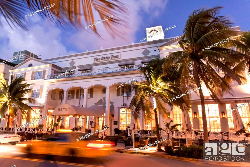 Stock Photo: Hotel The Betsy in the evening light, Ocean Drive, South Beach, Miami, Florida, USA.