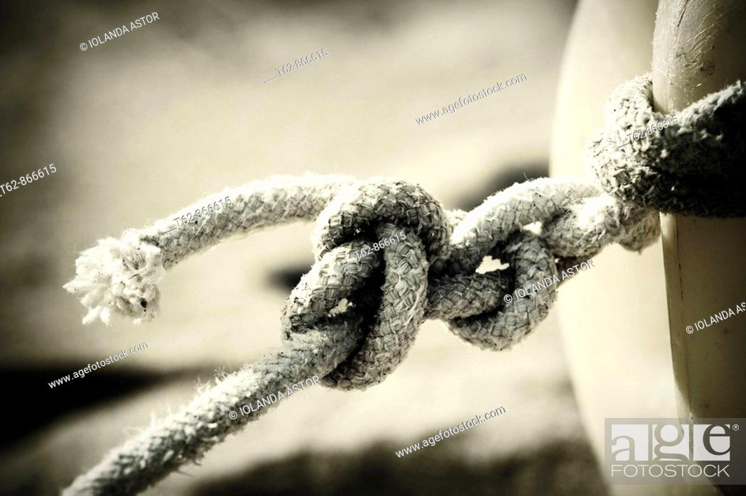 Stock Photo: Marine knot  Mooring of a boat.