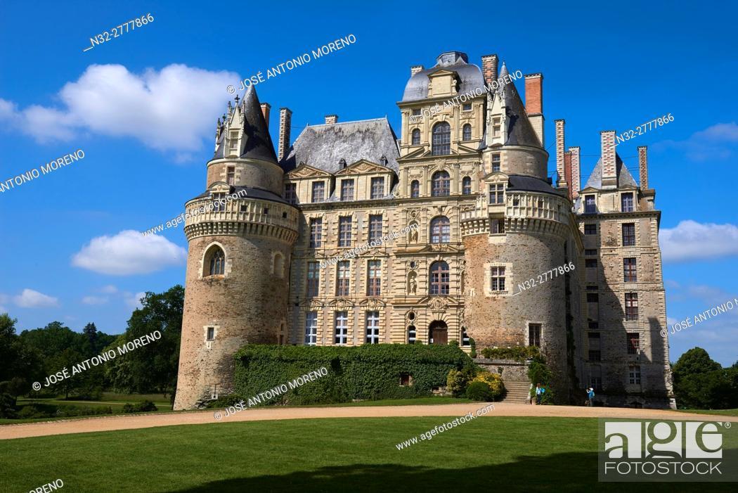 Stock Photo: Brissac Castle, Brissac-Quince, Angers District, Maine-et-Loire department, Pays de la Loire, Loire Valley, UNESCO World Heritage Site, France, Europe.
