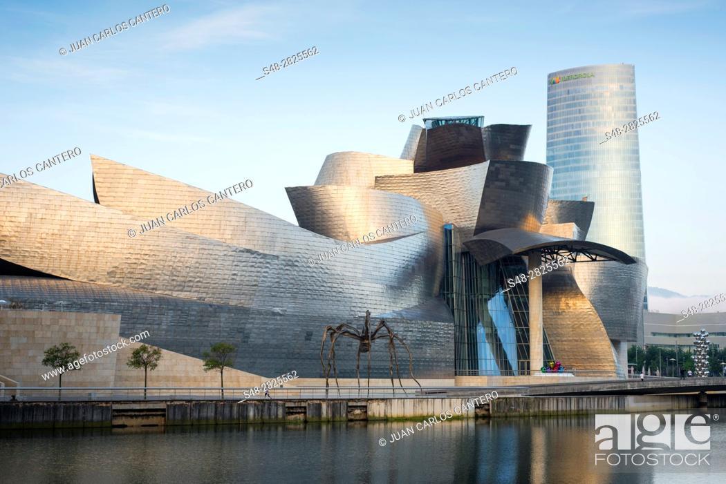 Guggenheim Museo.Museo Guggenheim Y Torre Iberdrola Bilbao Vizcaya Basque Country