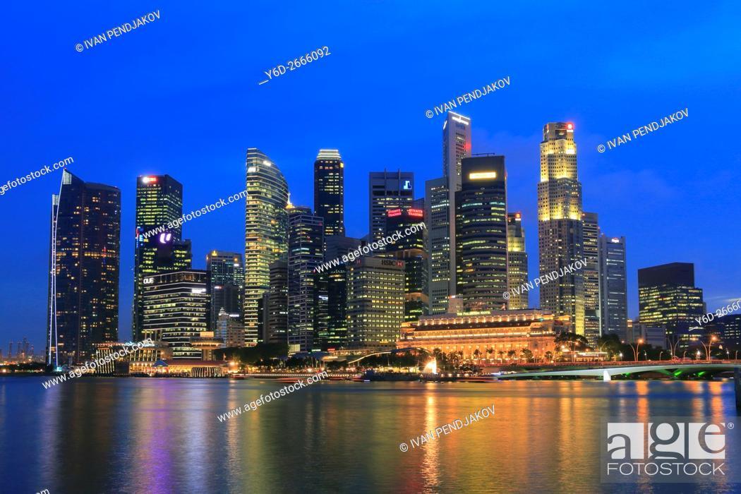 Imagen: Central Business District at Dusk, Singapore.