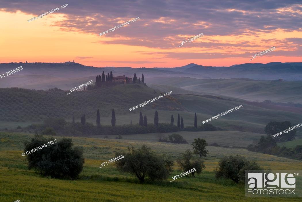 Stock Photo: Europe, Italy, Orcia valley at dusk, province of Siena, Tuscany.