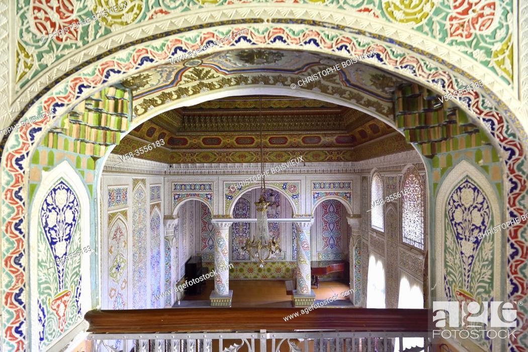Imagen: Uzbekistan, Unesco World Heritage Site, Samarkand, Museum of Regional Studies, former palace of Jewish millionnaire Abraham Kolontarov, Audience hall.
