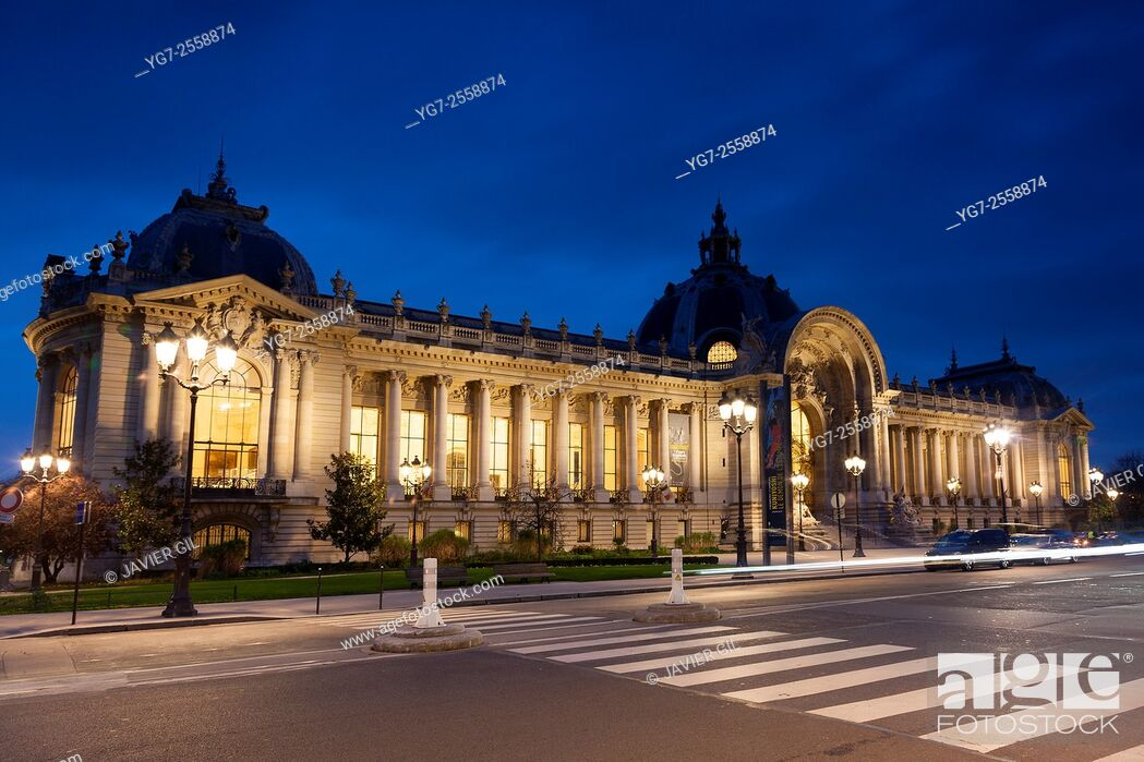 Stock Photo: The facade of the Petit Palais, Museum of Fine Arts, Avenue Winston Churchill, Paris, Ile de France, France.