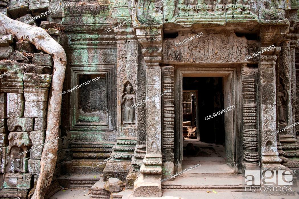 Photo de stock: Ta Prohm temple close to Angkor Wat, Siem Reap, Cambodia.