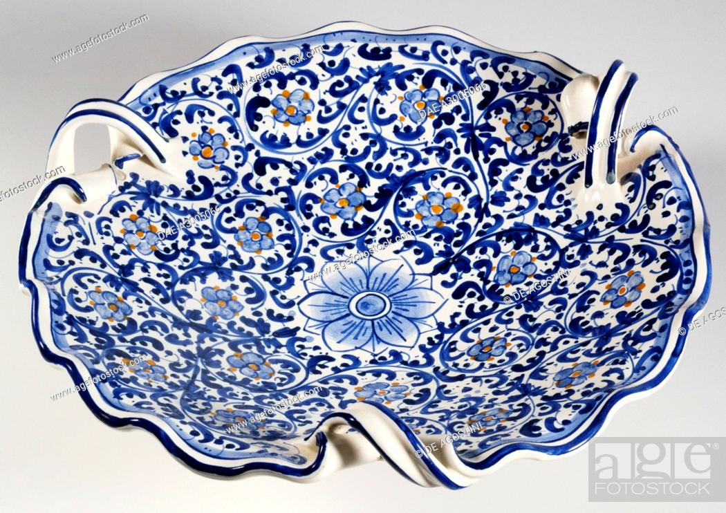 Stock Photo: Centerpiece plate with three curls on the border and 17th-century style decoration, ceramic, diameter 30 cm, Salvatore Gurreri manufacture, Caltagirone, Sicily.