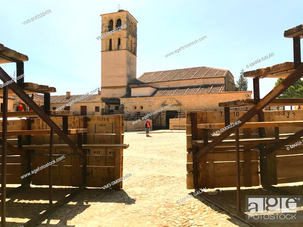 Stock Photo: Plaza Mayor as a bullring. Pedraza, Segovia province, Castilla Leon, Spain.