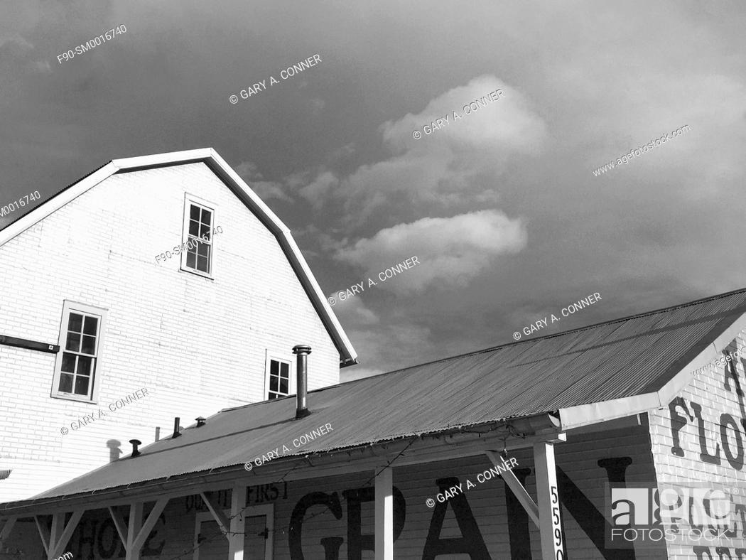 Imagen: Railroad barn in Arvada, Colorado.