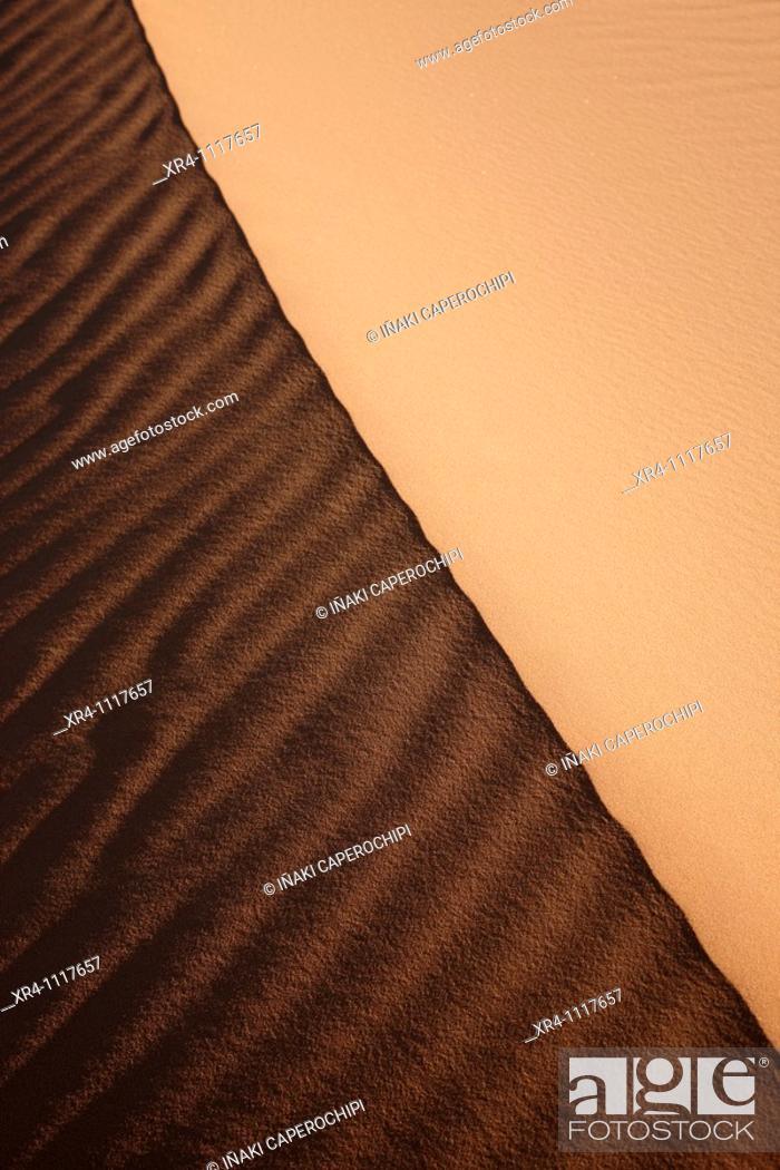 Stock Photo: Sand dunes in desert, Wadi Tanezzouft, Ghat, Libia.
