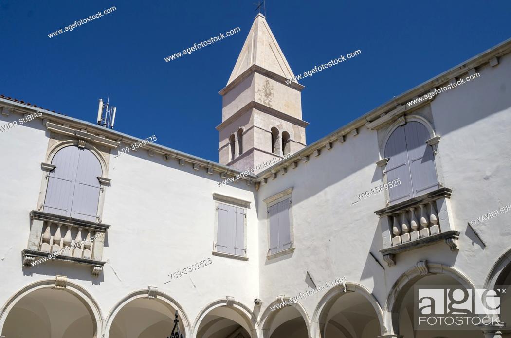 Stock Photo: Cloister of the Franciscan Monastery, Piran, Slovenia.