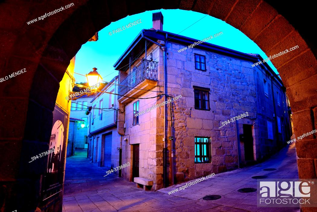 Stock Photo: Arch in the old Town of Allariz, Orense, Spain.
