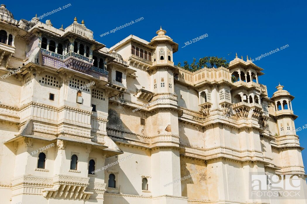 Photo de stock: India, Rajasthan, Udaipur, City palace.